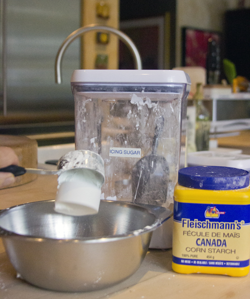 icing sugar and cornstarch