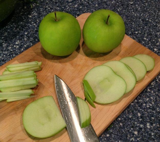 slicing apples 3