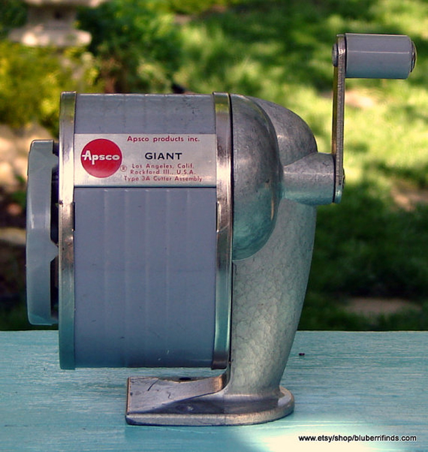 hand crank pencil sharpener 2