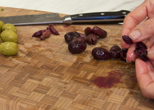 pitting olives 2