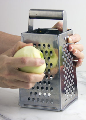 grating apples-2