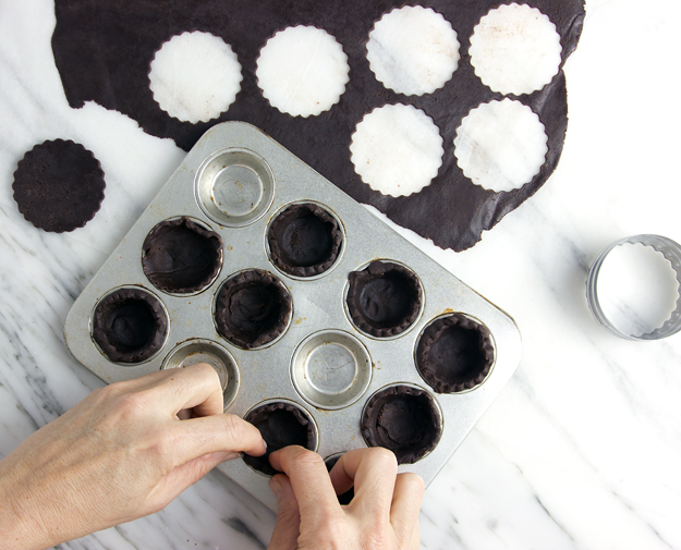 lining mini muffin tins