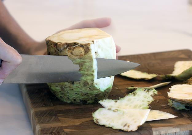 peeling celeriac