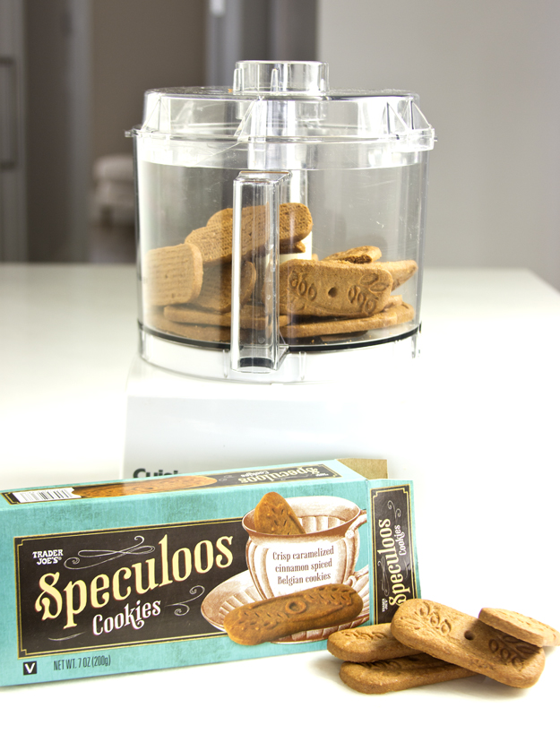crushing speculoos cookies