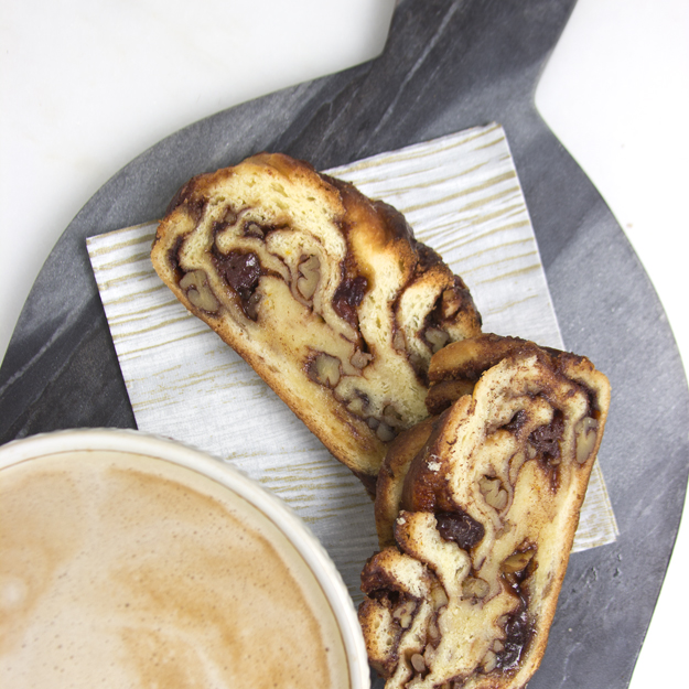 Cinnamon Babka with latte 2 625 sq