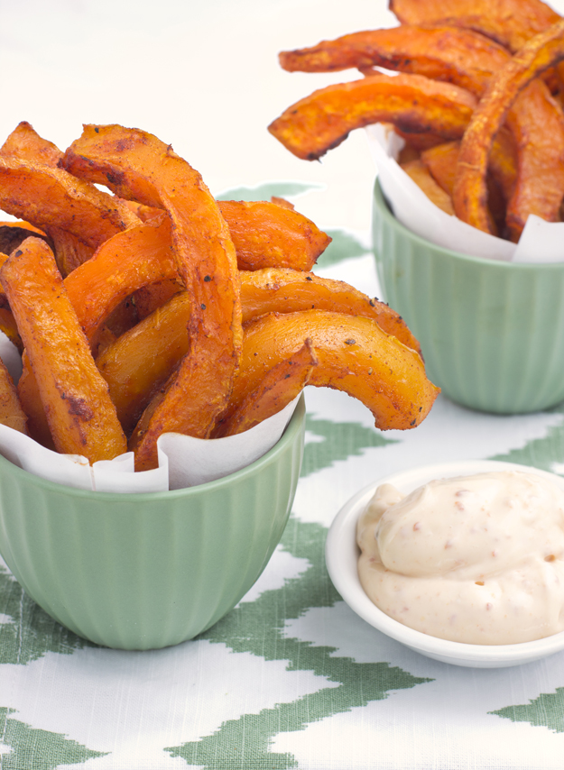 fries in green bowl with chipotle mayo