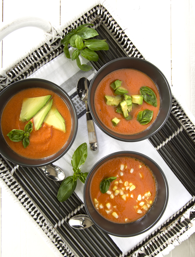 3 black bowls