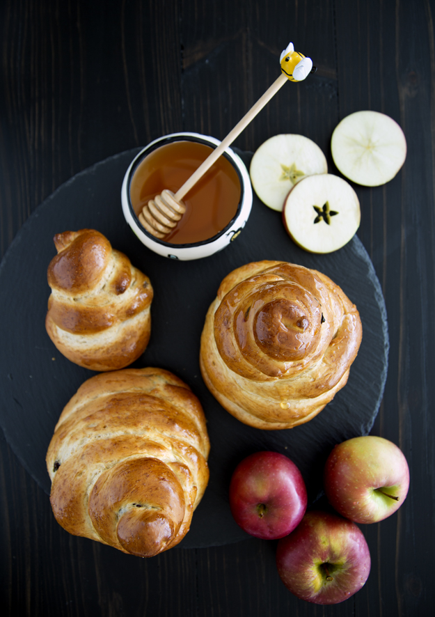 apples and honey and challah