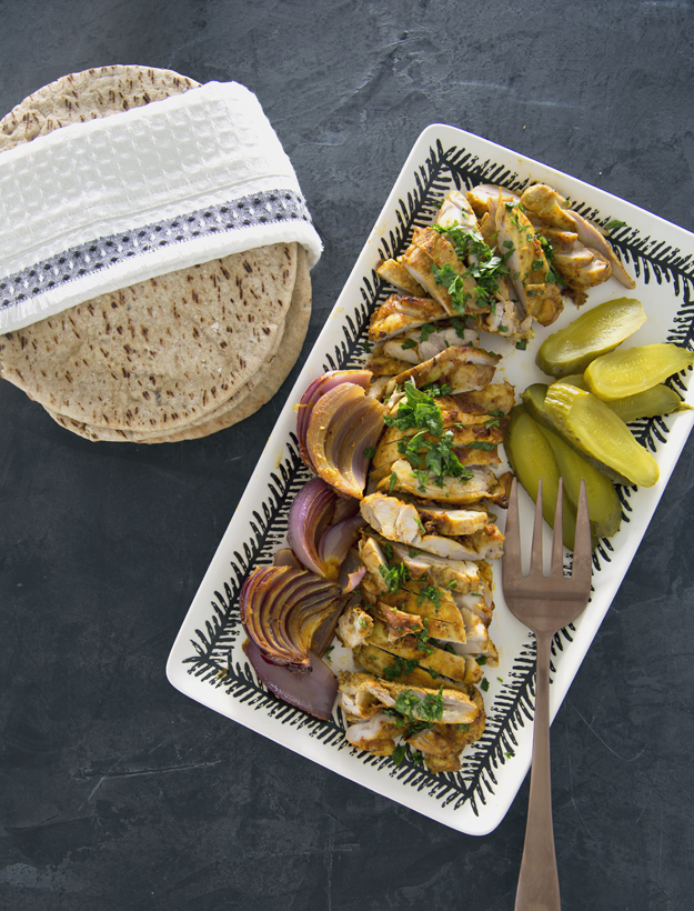 chicken, onions and pita